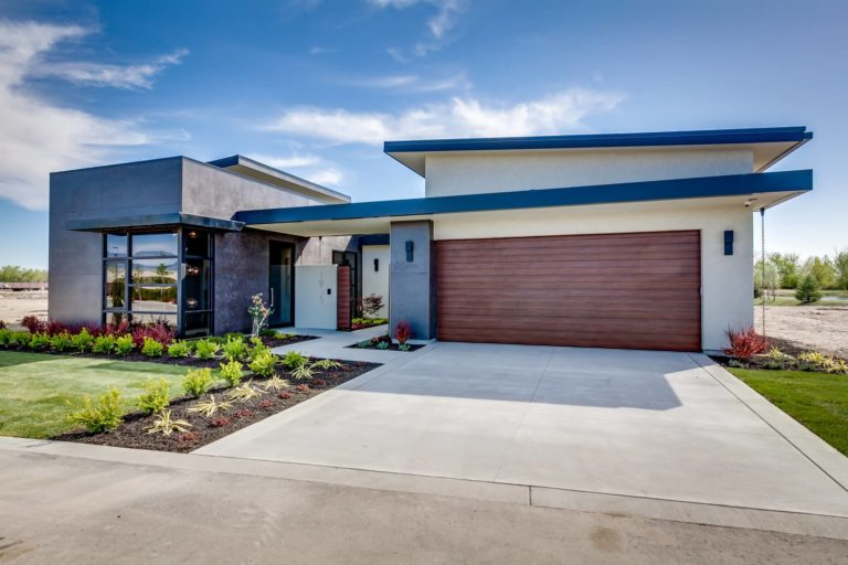 Active Lifestyle Home in Eagle on water controlled gate